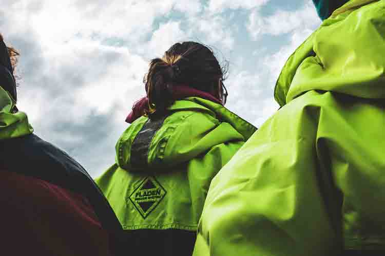 5 Tips for Raincoat Procurement for Your Workers